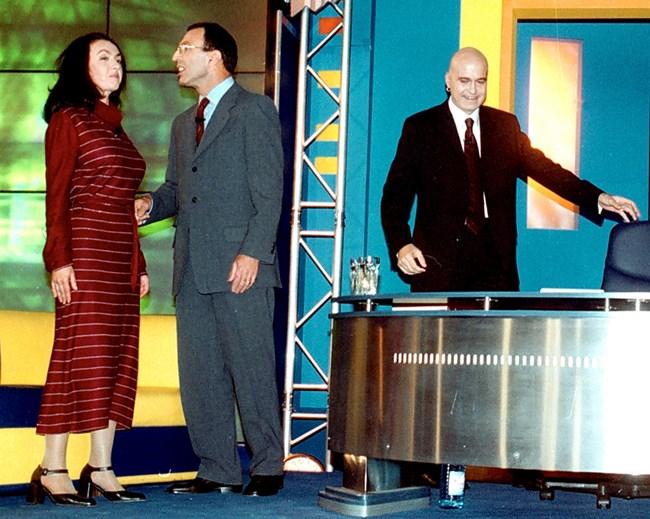 Петър Стоянов и Нели Куцкова, които участват в президентската надпревара, влизат в шоуто на 7.11.2001 г.