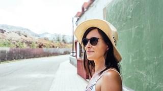 Как да запазим прическата си под шапката