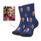Лицето ми е на чорапа