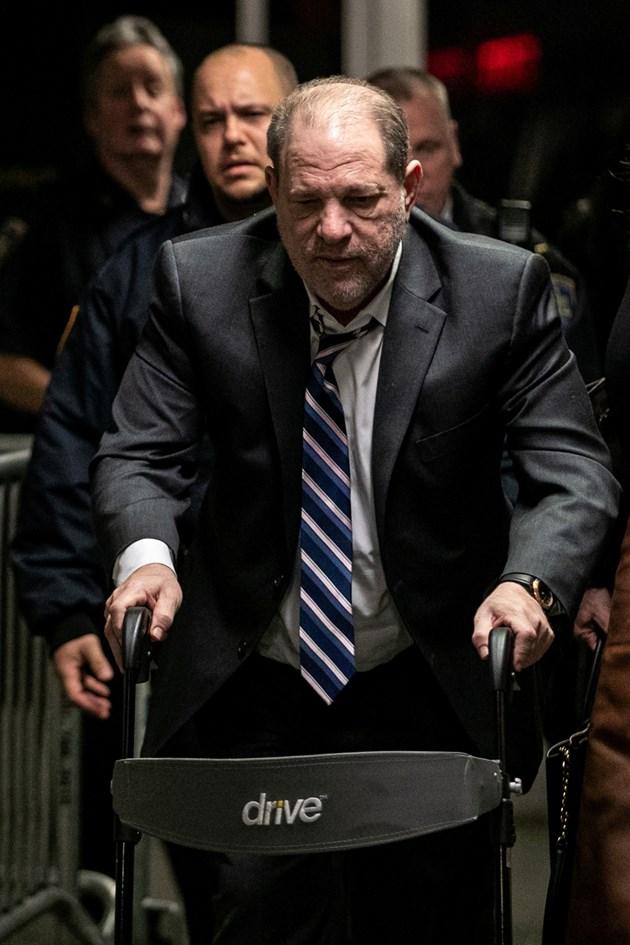Харви Уайнстийн бе отведен в ареста, след като бе признат за виновен