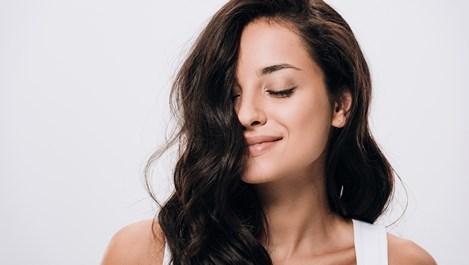 Колко вреден е парфюмът за косата?