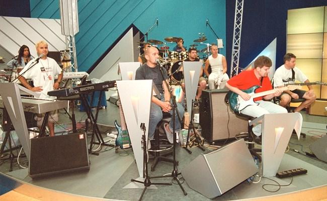 """""""Ку-ку бенд"""" репетира за турне през август 2001 г."""