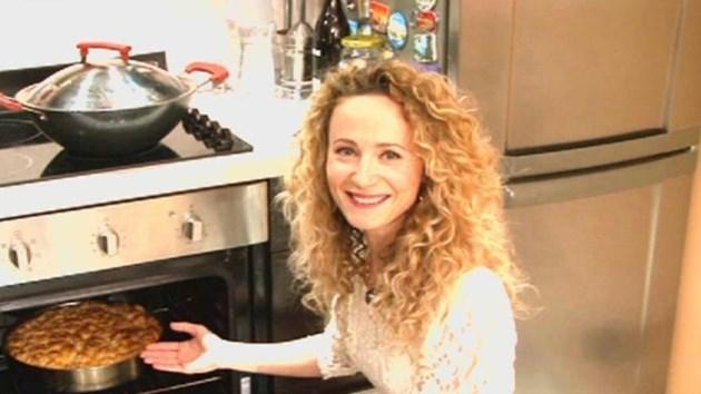 Деси Добрева пише кулинарна книга