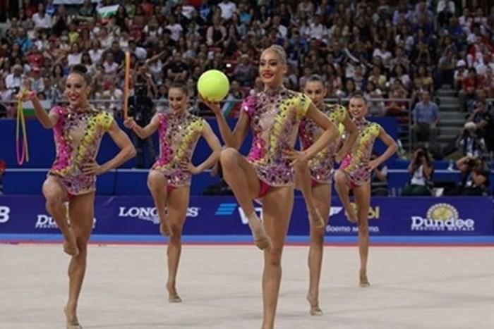 """Златните гимнастички с нова мисия - """"пътни полицаи"""""""