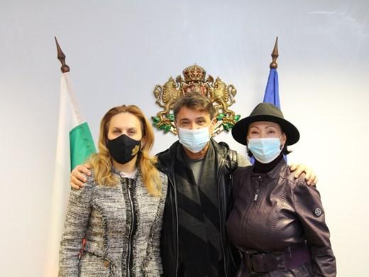 """Николова обсъди с дует """"Ритон"""" концертния туризъм"""