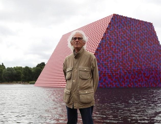 Би Би Си: Кристо ни показа, че светът е галерия на изкуството