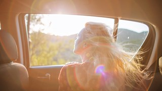 5 природни средства за защита на косата от слънцето