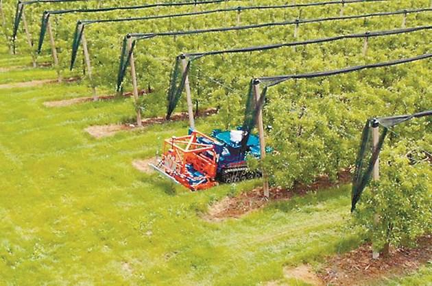 Уникално според създателите е, че роботът е в състояние самостоятелно да определя края на реда в лозя и овощни градини и да извършва автономен обратен завой за следващия ред