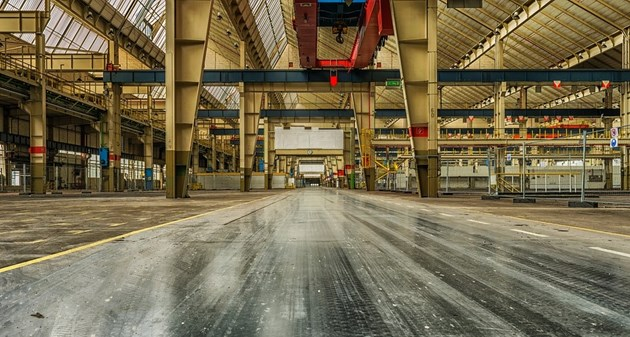 Над половината от машиностроителните заводи във Франция подновиха работа