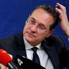Австрийският вицеканцлер Ханс-Кристиан Щрахе подаде оставка