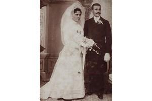 Родителите на Люба. Майка й е племенница на кап. Райчо Николов, убит по време на Съединението през 1885 г.