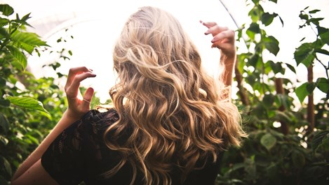 С топъл зехтин косата става като от реклама
