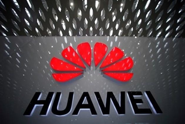Китайските производители на смартфони спряха производството в Индия