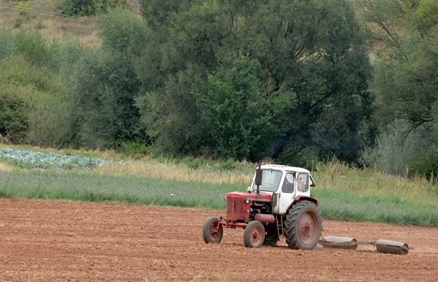 Горивото за земеделски цели излиза на стопаните с близо 20% по-евтино заради отстъпката от акциза.
