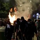 Демонстранти рушат в Неапол, недоволни от мерките заради коронавируса (Снимки)