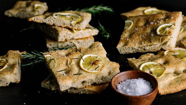 Домашен хляб с розмарин и мед