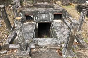 Парламентът като гробницата на Чейс в Барбадос