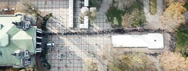 Вижте поклонението пред Стефан Данаилов, снимано от дрон (Видео, Снимки)