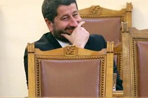 Христо Иванов започна като министър във втория мандат на Борисов, но бързо се превърна във враг.