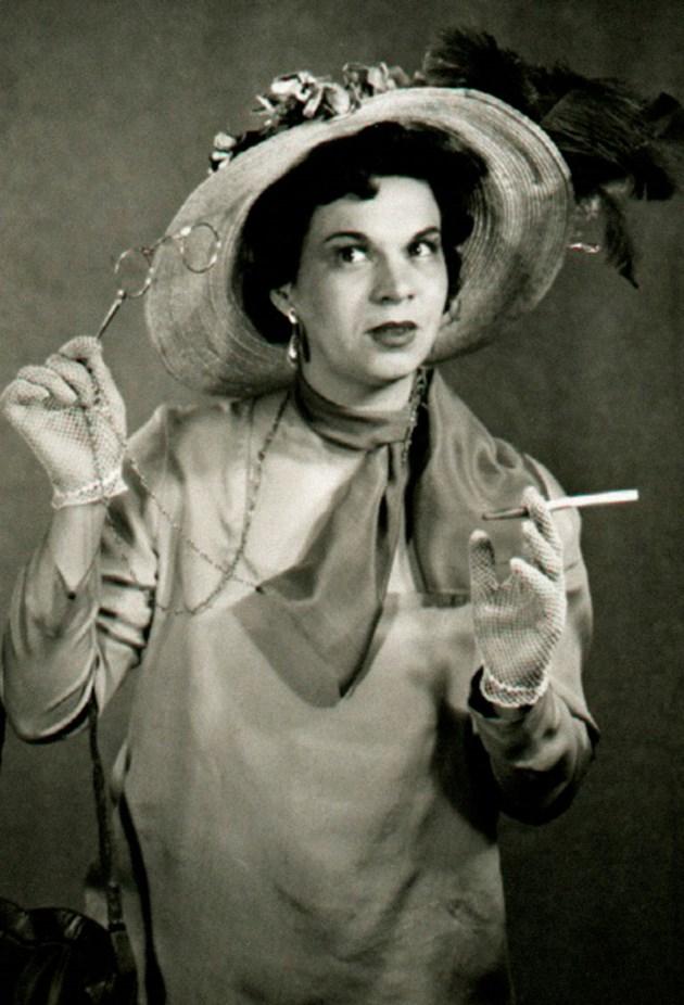 Стоянка не слезе от сцената - вижте част от големите роли на легендарната актриса (Видео)