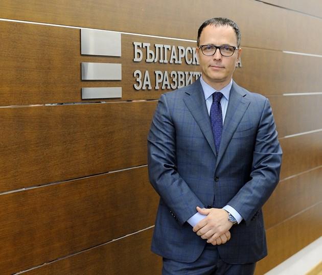 Ръководството на ББР дарява заплатите си