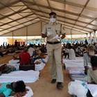 Жертвите на вируса в Индия надхвърлиха 100