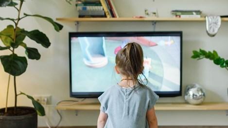 Как най-добре да почистите телевизора
