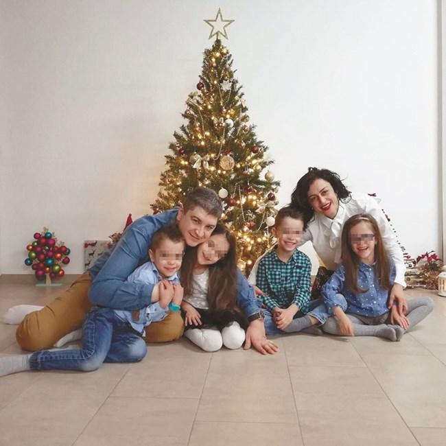 Семейството е щастливо въпреки трудностите