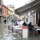 Венеция отново е под вода (Снимки + видео)