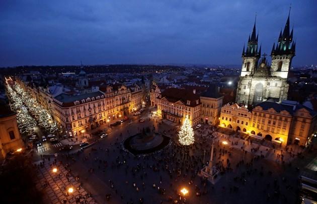 Отварят магазини и ресторанти от 3 декември в Чехия