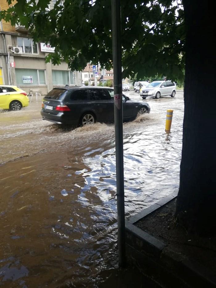 Проливният дъжд в центъра на София