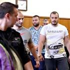 Хлебар пържи Кюфтето и Мечков
