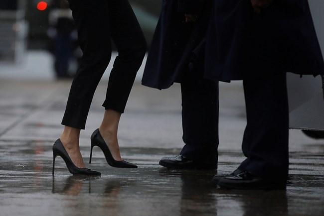 """Мелания и Доналд Тръмп посетиха пострадалия от урагана """"Харви"""" Тексас СНИМКИ: РОЙТЕРС"""