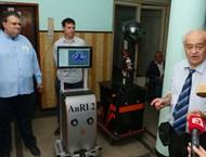 Роботи обслужват инвалиди и учат деца с проблеми в развитието