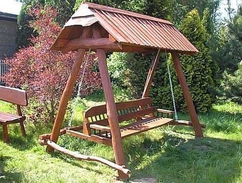 Как да изберем дървена градинска люлка