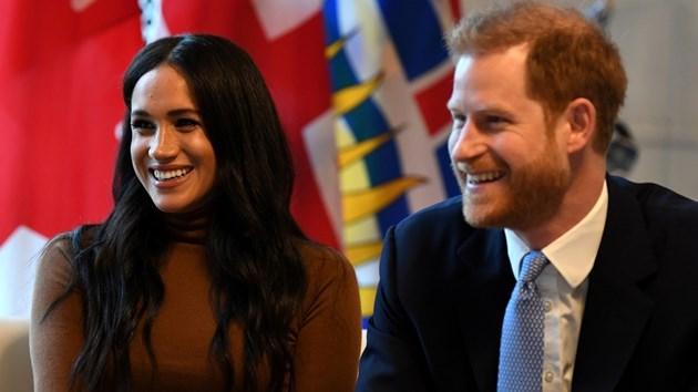 На кралска среща обсъждат бъдещата роля на принц Хари и Меган