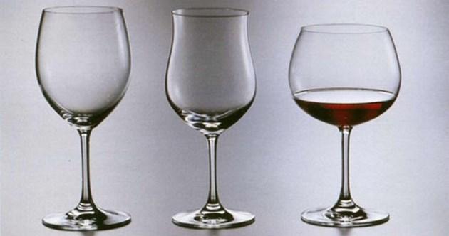 """За чашата """"балон"""" се смяташе, че е само за червени вина, но спецовете я наложиха и за шардоне, отлежало в дъб например"""